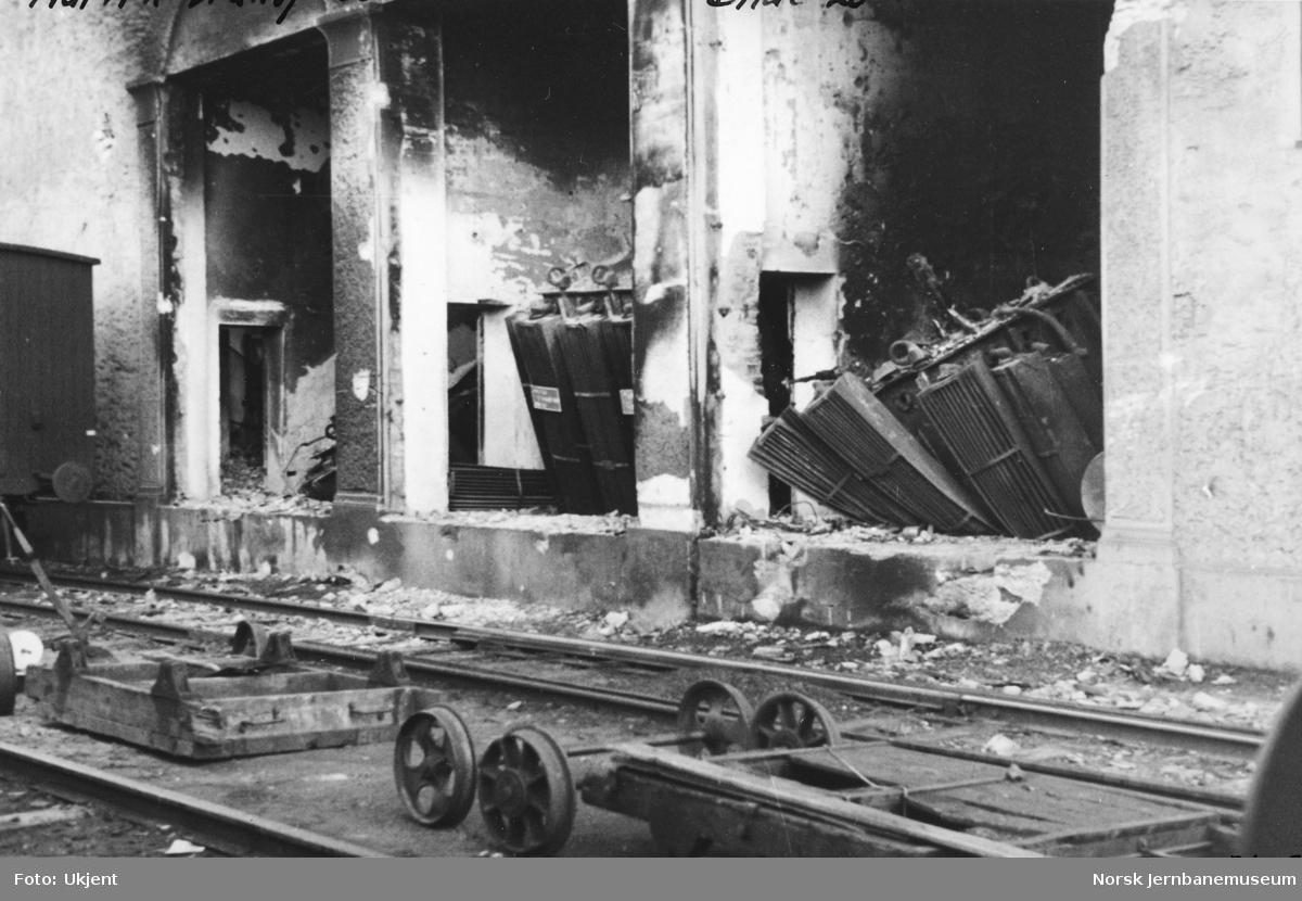 Transformatorstasjonen på Narvik stasjon etter krigsødeleggelsene