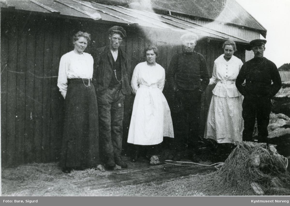 Borghild Vassli, Hagbart Feøy, ?, Jon Vassli, ? og Johan Vassli