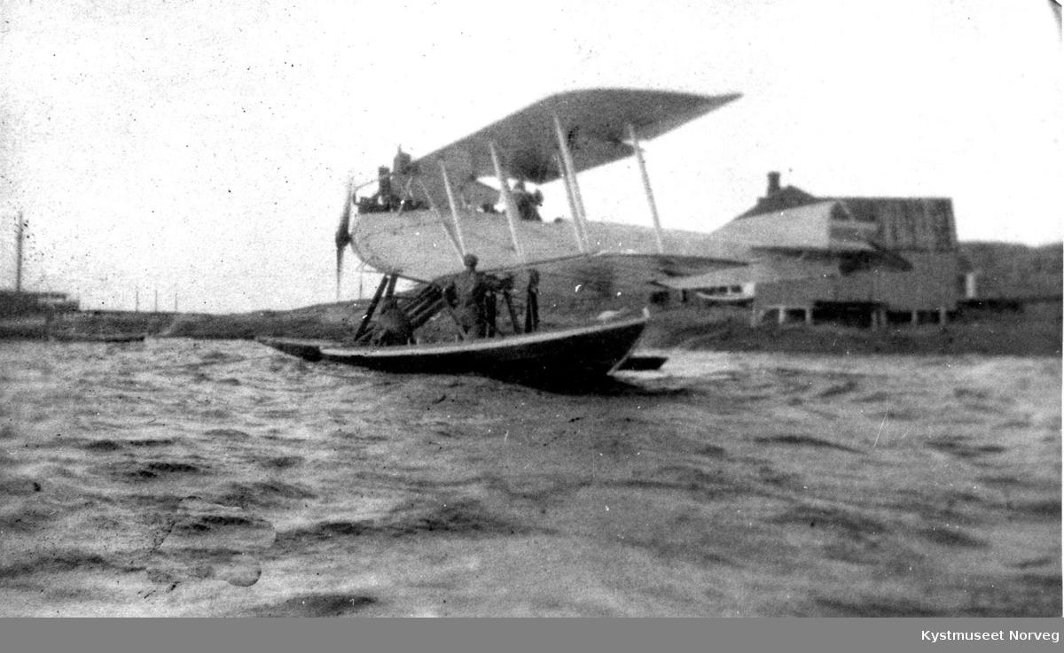 Vikna kommune, den første  flylandingen på Rørvik