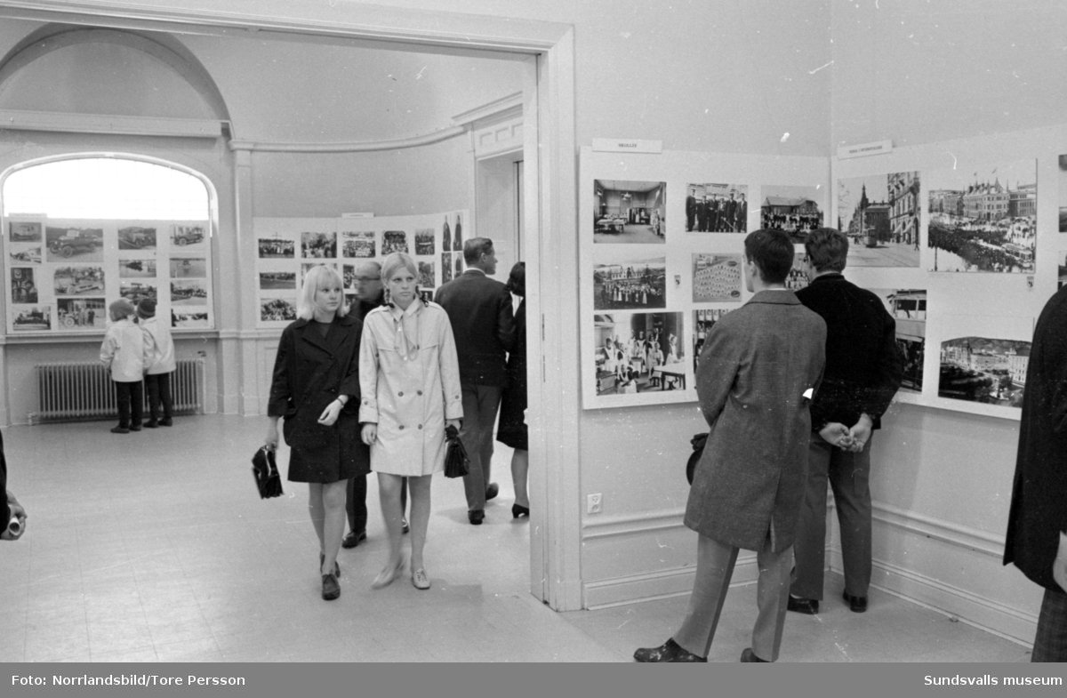 Fotografernas jubileumsutställning på Sundsvalls museum. Fotograf Ester Näslund (bild 10).