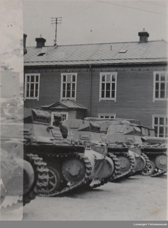 Stridsvogner av typeen Pzkw I A eller B.