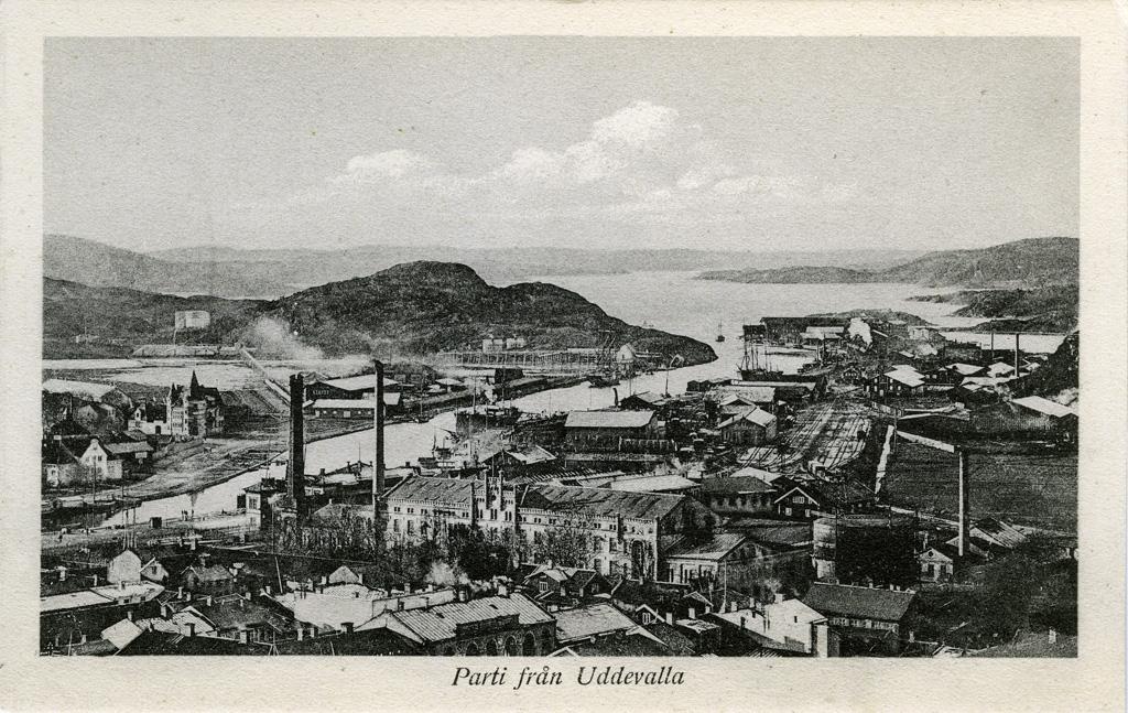 """Text till bilden: """"Parti från Uddevalla""""."""