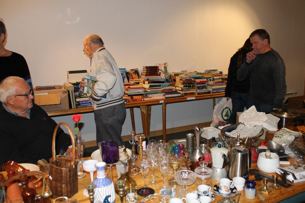 26.10.2014 var Bokdag på Berg-Kragerø Museum. Over 75 personer handlet både bøker, lopper og vafler. Et vellykket arrangement for Bergs venner.