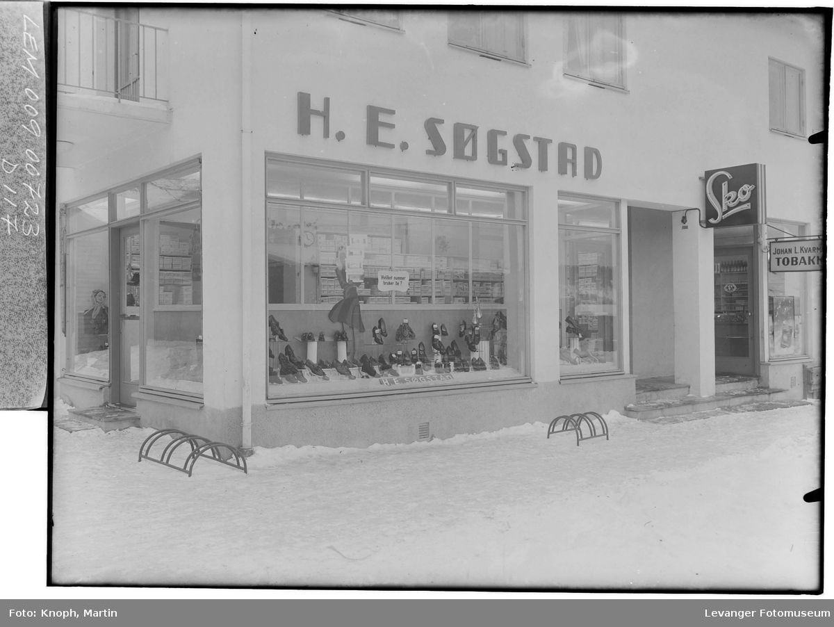 H.E. Søgstads skobutikk på Steinkjer  II