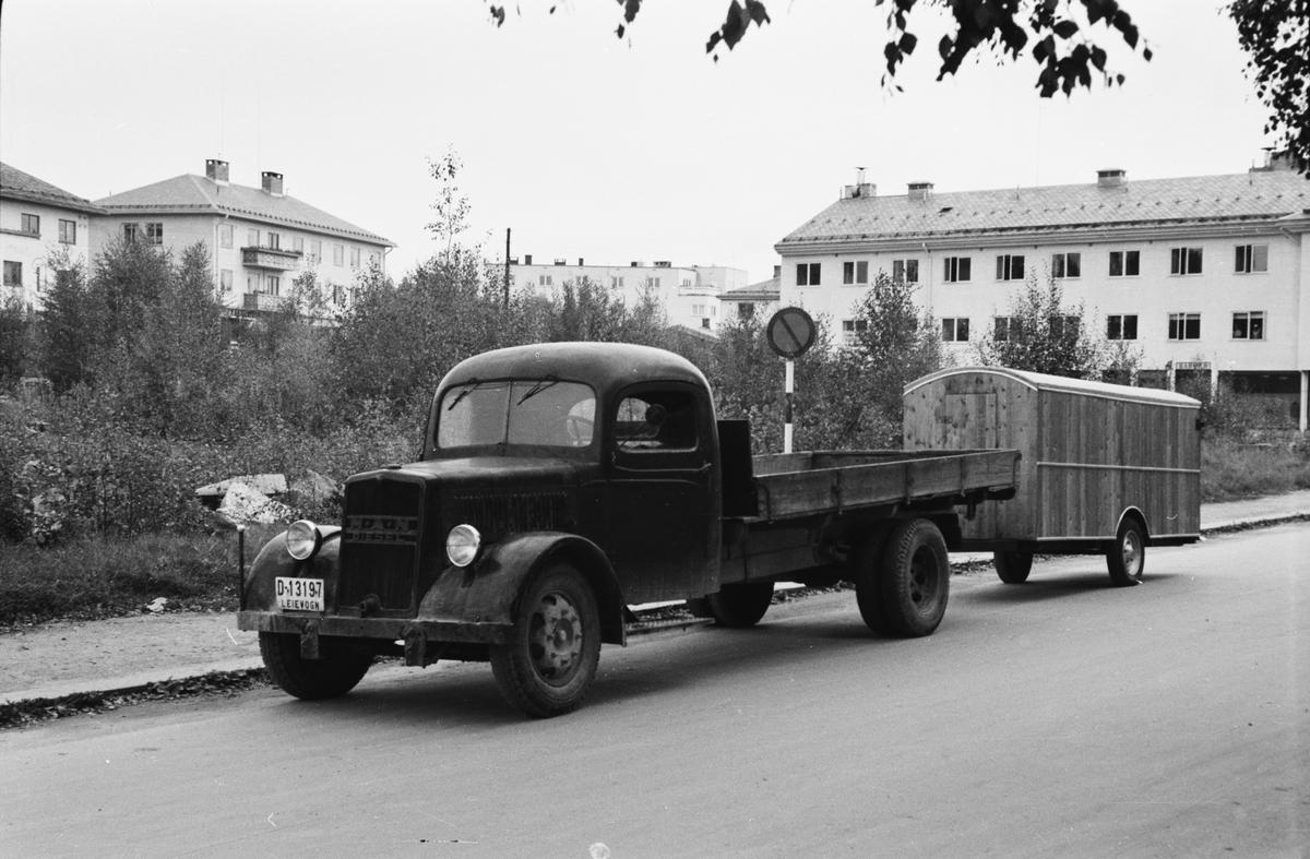 Lastebil med tilhengerbrakke. Storgata, Leiret. Elverum.