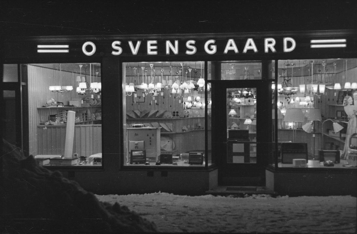 Butikkvindu, O. Svensgaard. Leiret, Elverum.