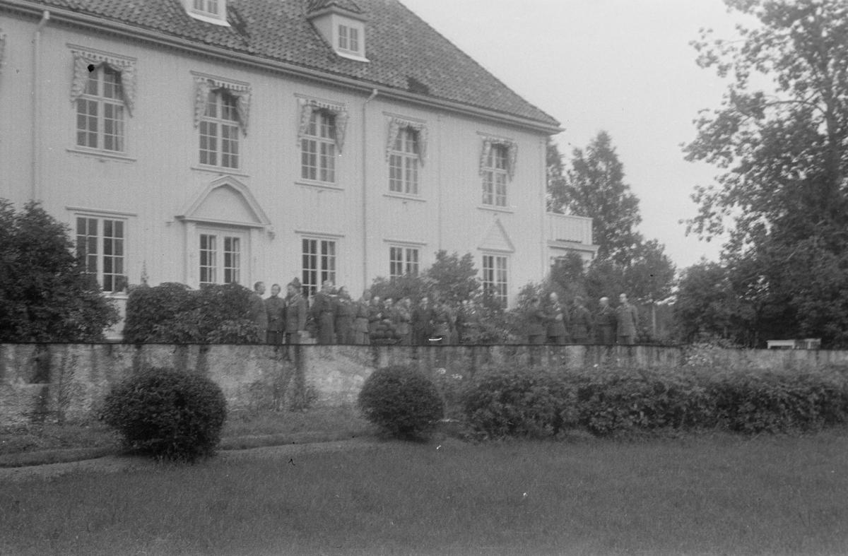 Generalgården, Elverum. Militære.