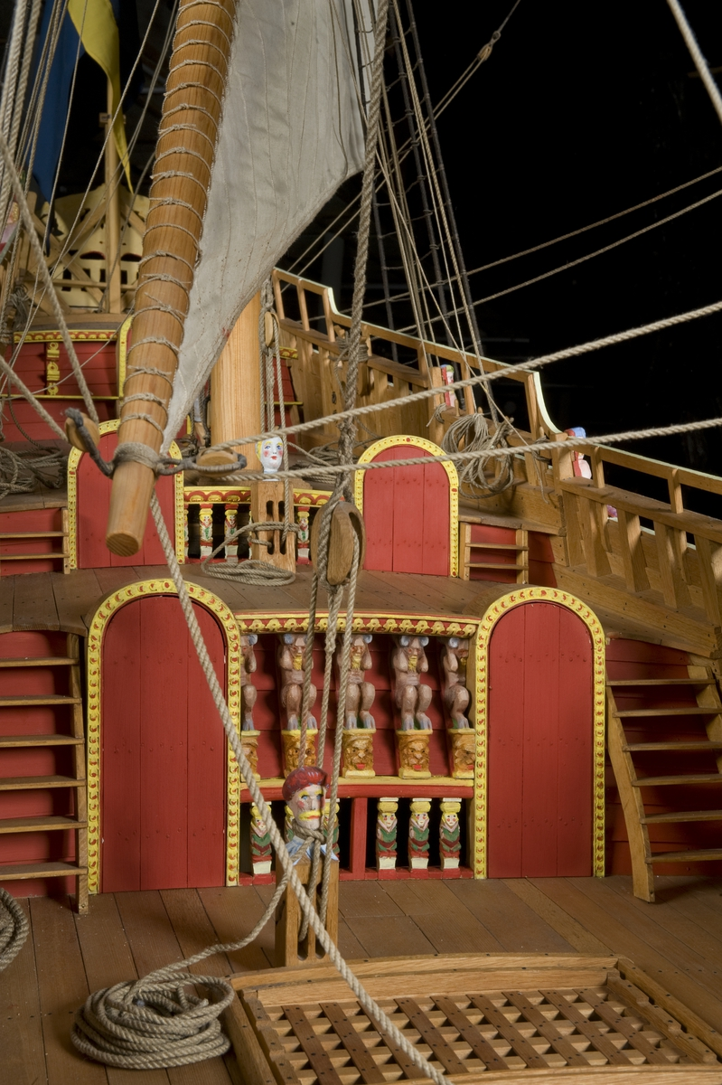 Vasa 1:10 modellens bemålning 07-08. 19 maj-08 bemålad och klar 439. Modellen färdigmålad inför sommaren-08 och öppning 19 maj.
