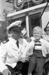Båten Ragne är lövad och redo för avfärd från Sundsvalls ham