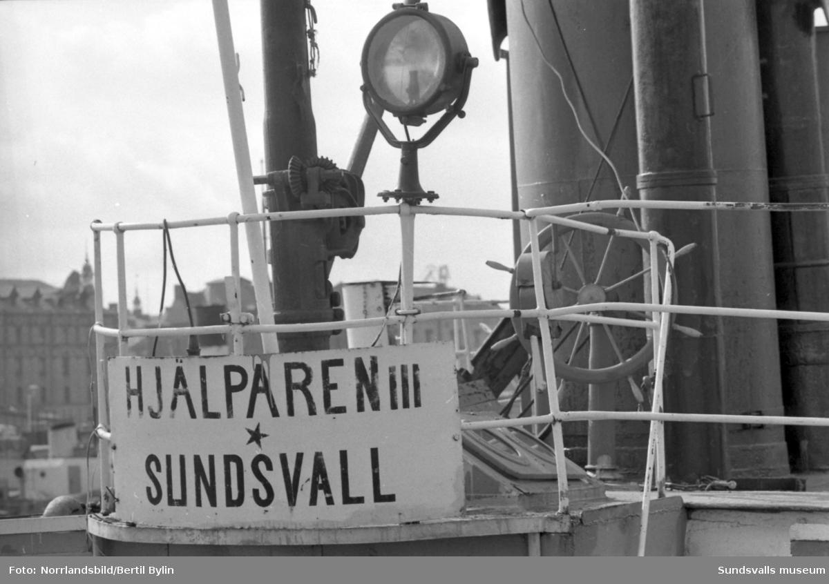 Gamla bogserbåtar i Sundsvall. Bravo, Hjälparen III, Grogg, Express, Gustav.