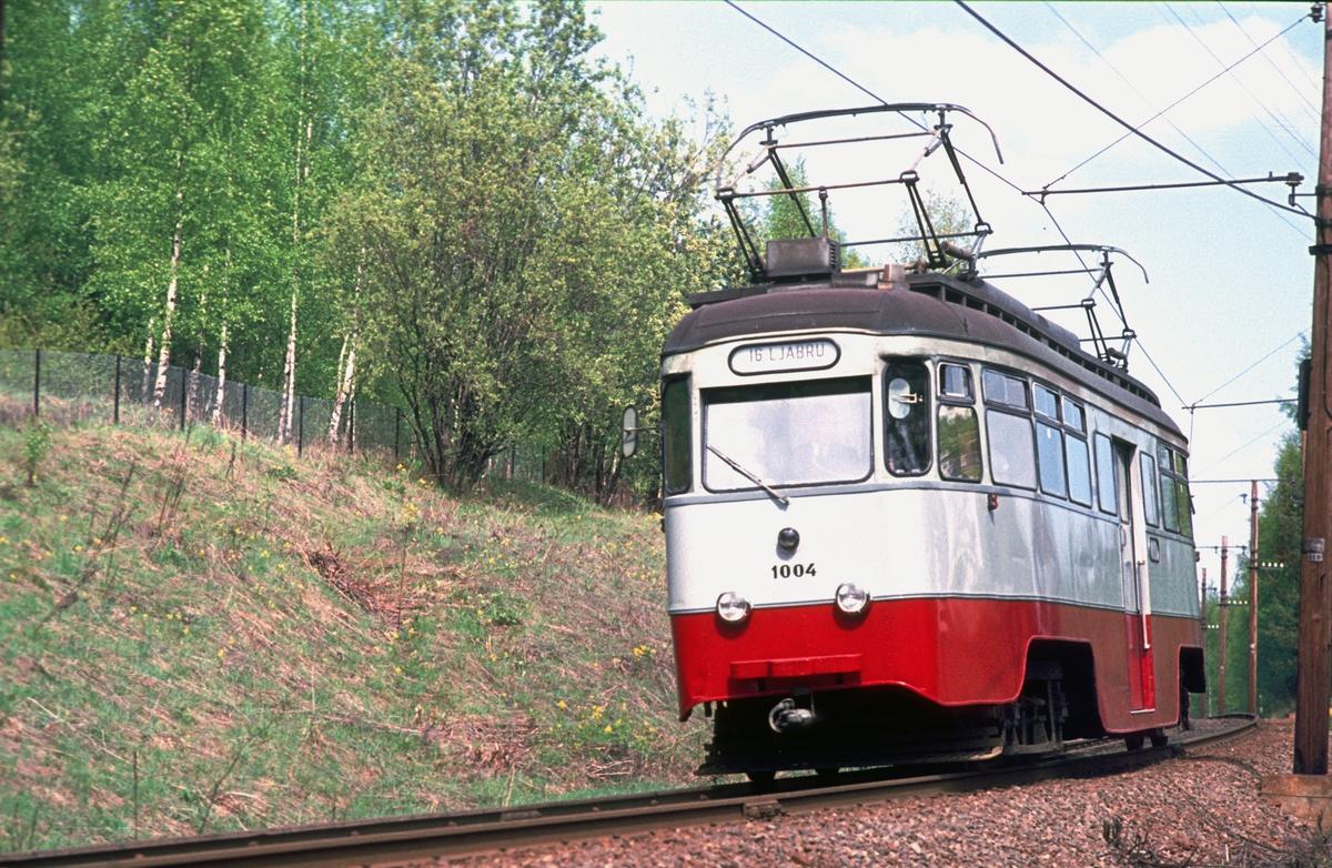 Ekebergbanen, Oslo Sporveier. Vogn 1004 mellom Ljabru og Sæter.