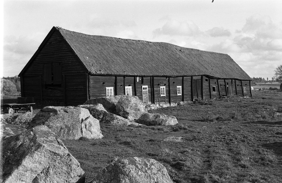 Ladugård, Onsike gård, Onsike 2:2, Skogs-Tibble socken, Uppland 1985
