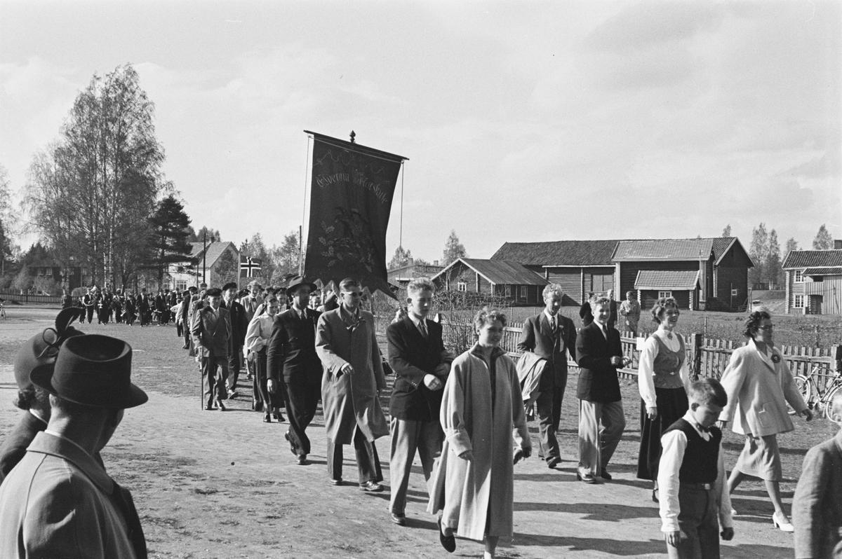 17. mai. Elverum. 1953. Folketog.
