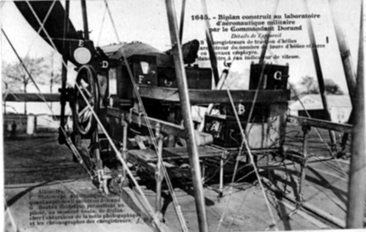 Detaljfoto av flytilbehør. Utprøving av instrumenter i fly ved Fr. militært laboratorie