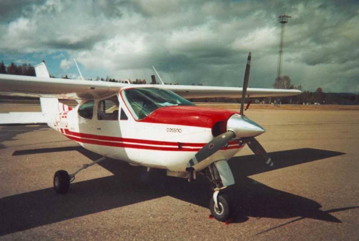 Ett fly på bakken, Cessna 177RG Cardinal RG II, LN-MTD