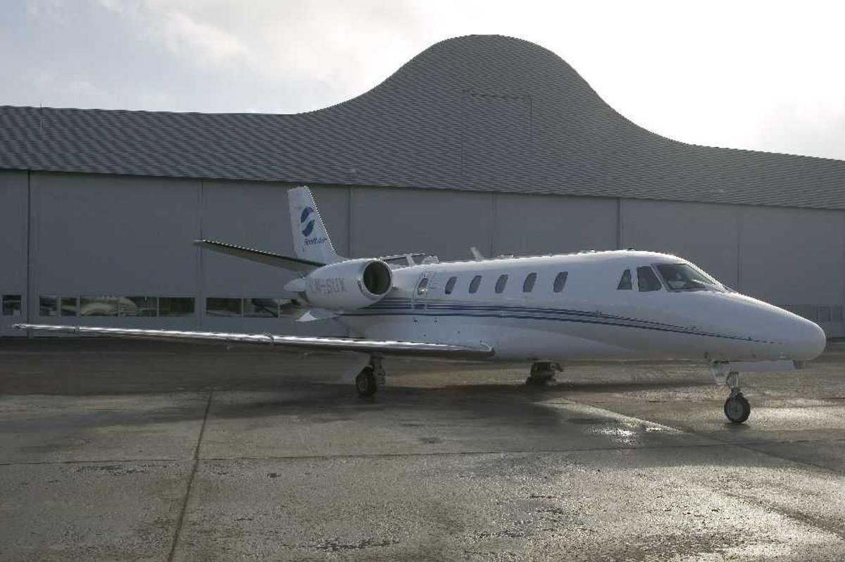 Ett fly på bakken, Cessna 560XL Citation Excel, LN-SUX fra Sundt Air.