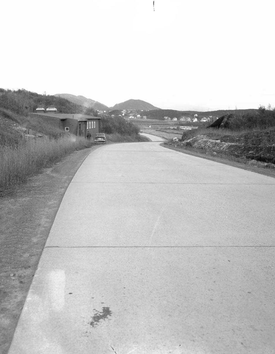 Motorsykkeluhell på Strandveien på Bodø flystasjon.