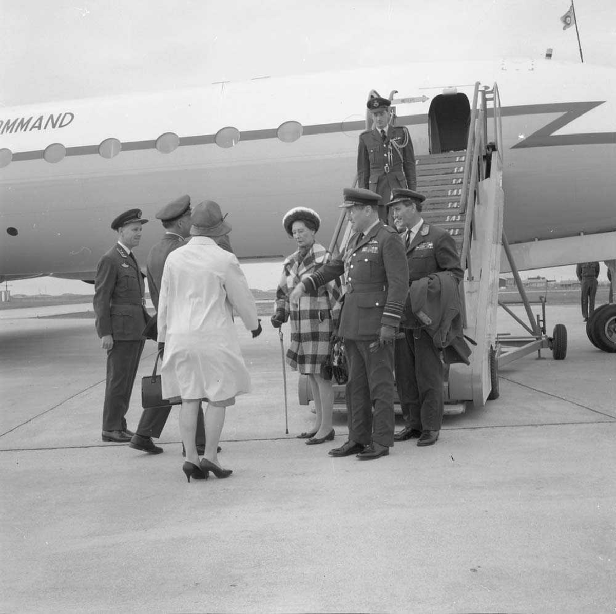 Air Chief Sir John Grandy, RAF, besøker Bodø flystasjon.