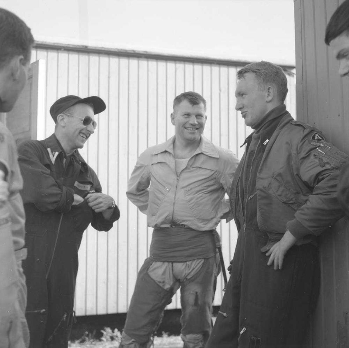 Skvadronsutveksling. 331 skvadron tar imot 53rd Tactical Fighter Squadron, som er ankommet Bodø flystasjon. Normalt varte en skv.utveksling i en uke.