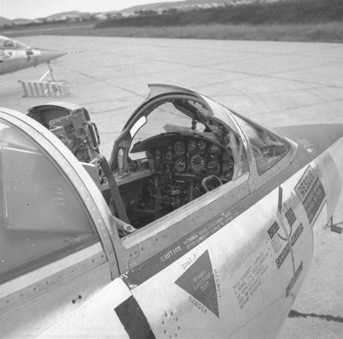 Skade på canopy, F-104-G Starfighter, kjennetegn FN-H, tail nr. 61-2631, 331 skvadron på Bodø flystasjon.