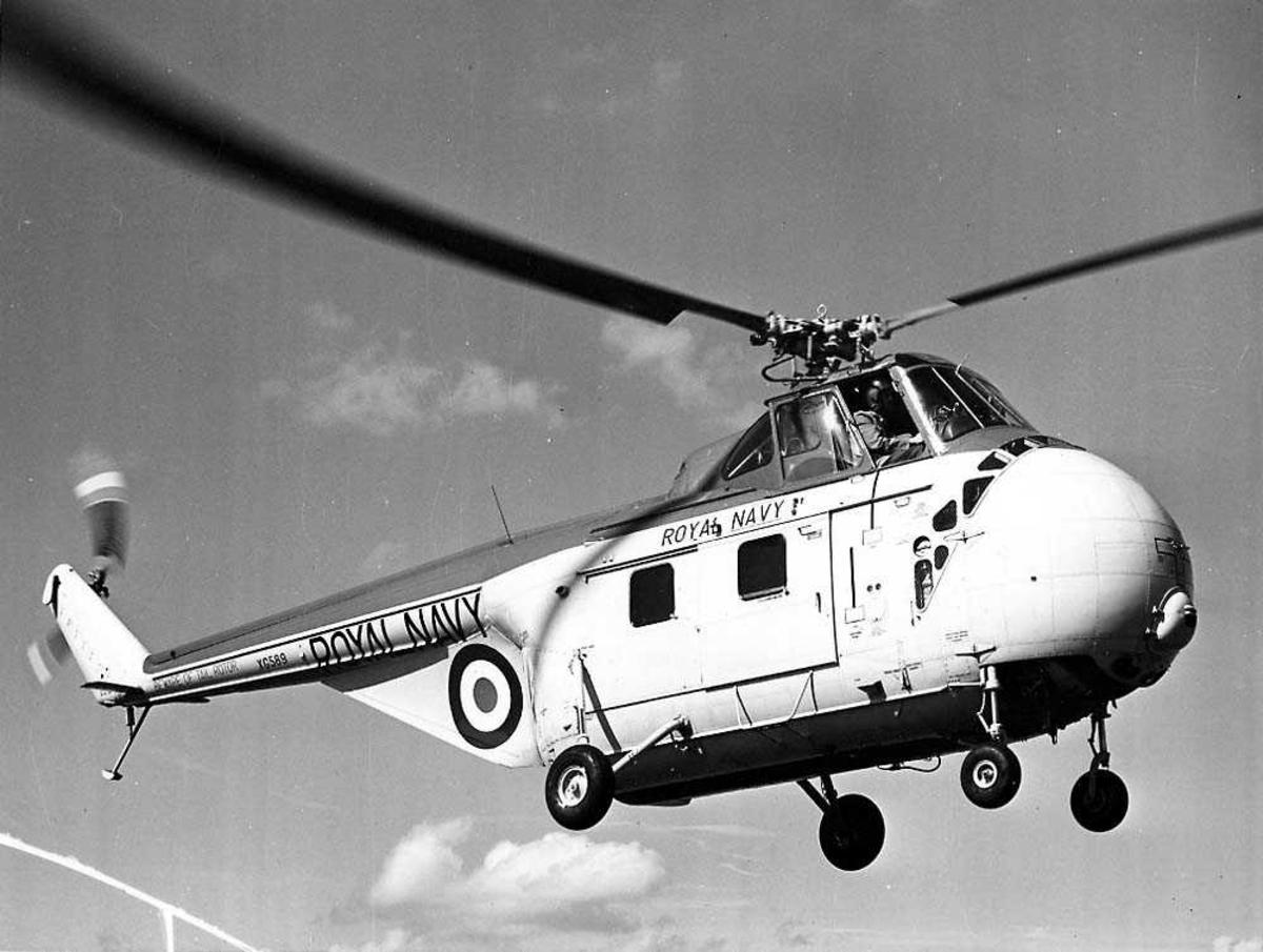 Luftfoto. Ett helikopter i luften, Westland Whirlwind Mk.7.
