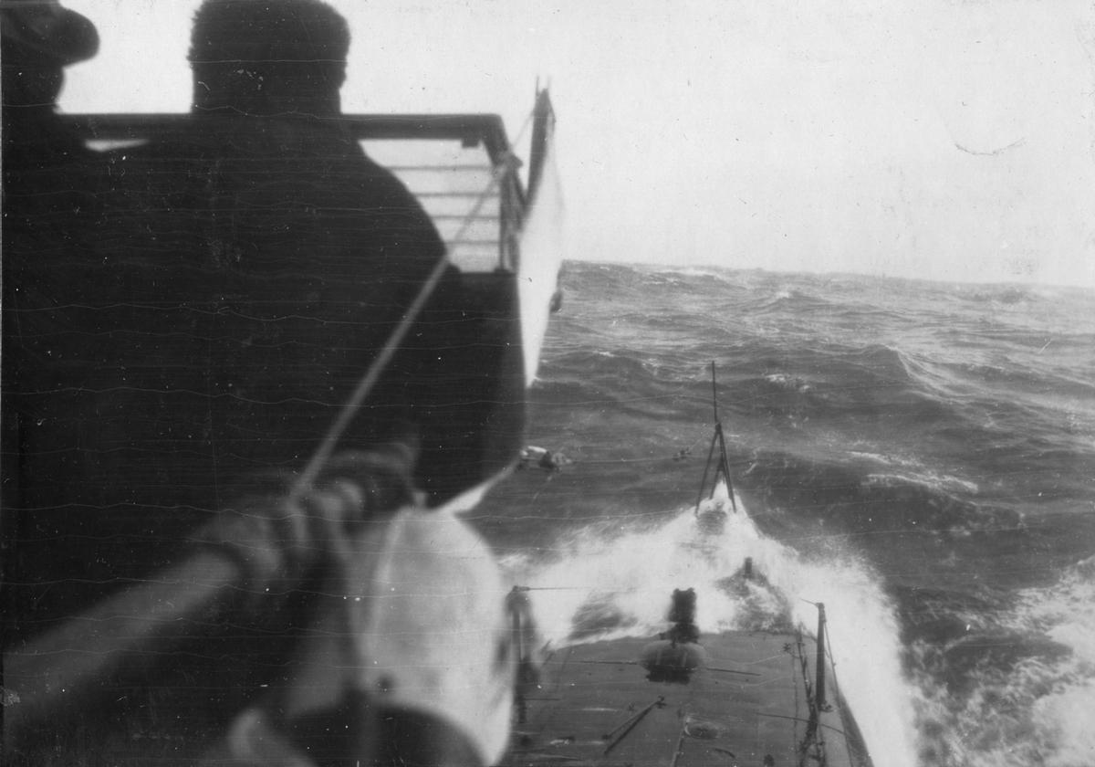 Fartyg: VALROSSEN                       Övrigt: Nordsjön mars 1922. Första expeditionen för ubåten Valrossen till främmande vatten
