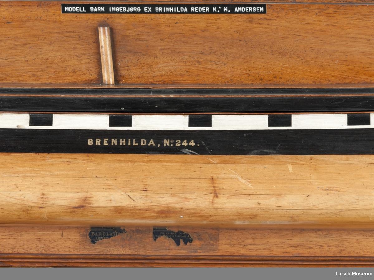 """Halvmodell bark """"Ingebjørg"""", kanonportet"""