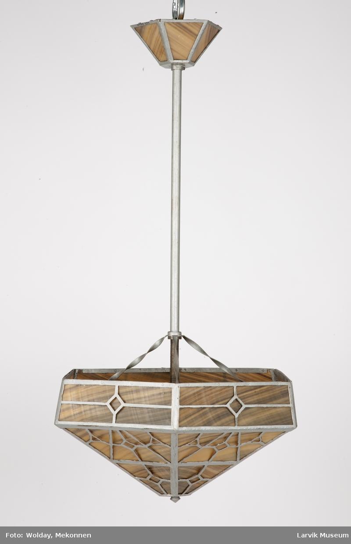 Lampe av finnhvalbarder