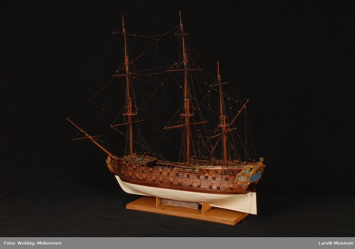"""Helmodell av fregatten """"Norske Løve"""" under fulle seil"""