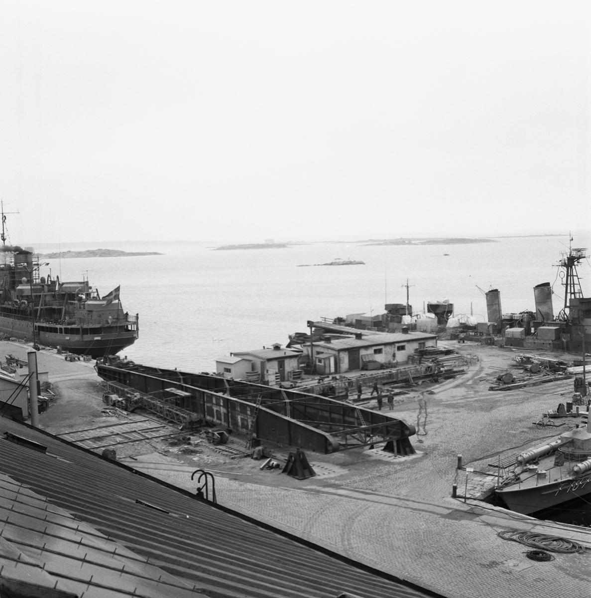 Övrigt: Fotodatum:24/3 1959 Byggnader och Kranar. Nya 100-tonskranen montering