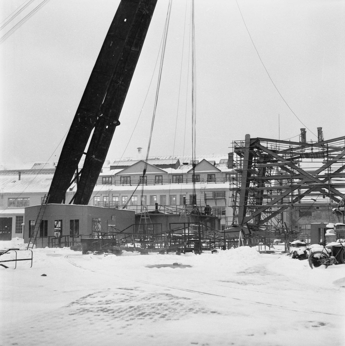 Övrigt: Fotodatum:8/12 1959 Byggnader och Kranar. 100-tonskranen översikt montering