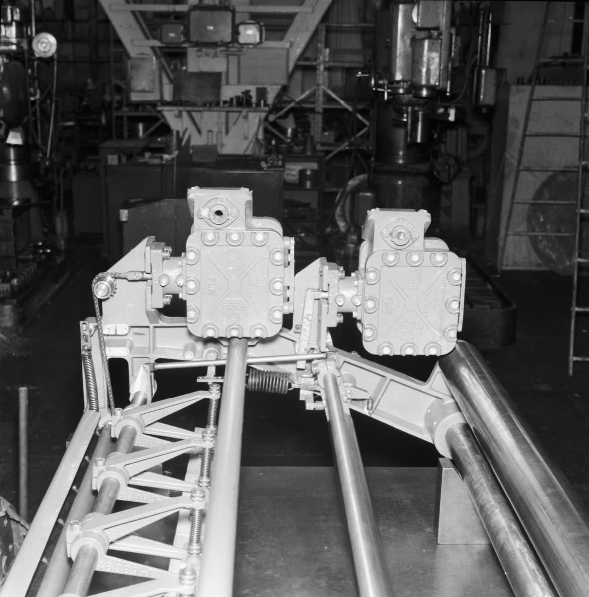 """Övrigt: Foto datum: 3/11 1961 Byggnader och kranar """"ASEA"""" rullklisteringsmaskin."""