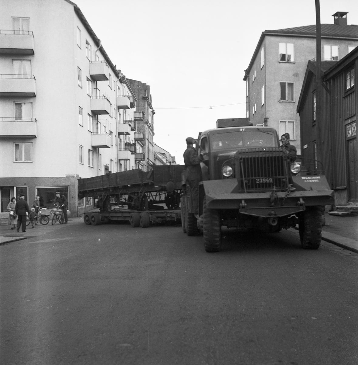 Övrigt: Foto datum: 11/1 1952 Byggnader och kranar Vagnbjörn i arbete (försöksbelastning)