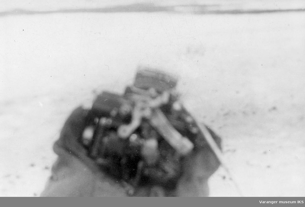 Flydel tilhørende den russiske jagerbomberen som ble skutt ned utenfor Vadsø 10/5-1944. Bildet er tatt dagen etter, 11. mai 1944.