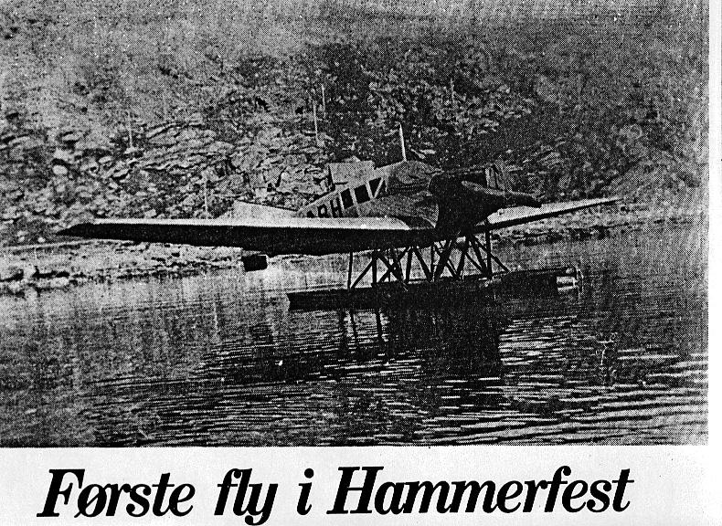 Fly, Junkers F 13W, LN-ABH. Skrått forfra. Ligger rolig på havoverflata.