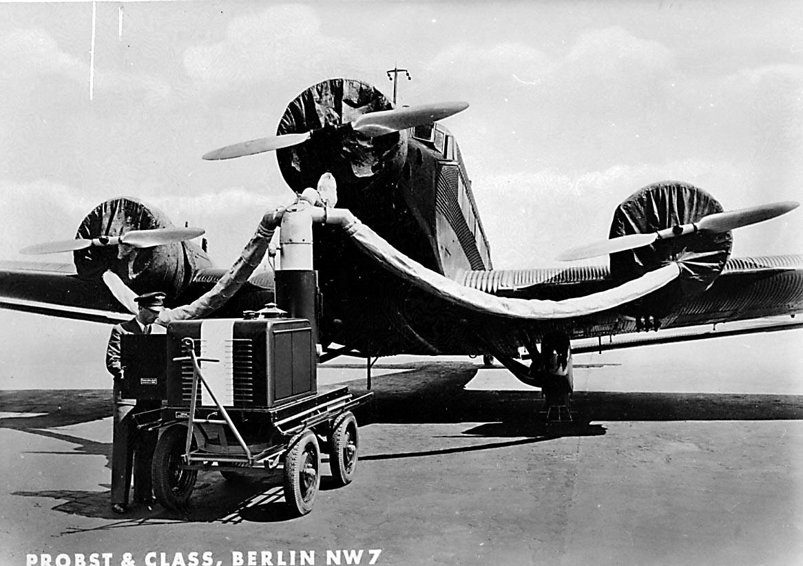 Lufthavn. 1 fly på bakken Junkers Ju 52/3m