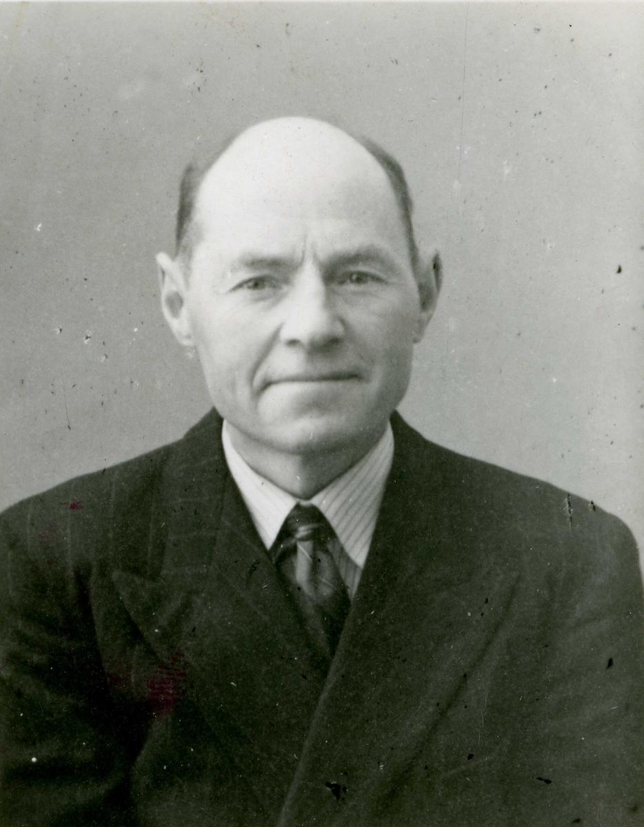 Portrett - Ole Kristensen Meling, personalia Hgds Avis 1961/62.