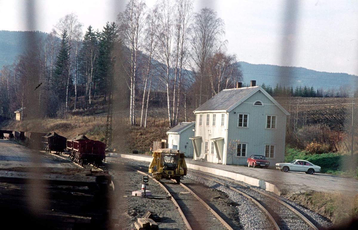 Odnes stasjon, sett fra lokomotivet i tog 281 (Oslo Ø - Fagernes)