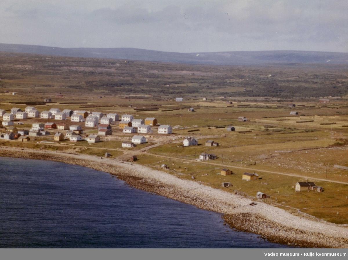 Flyfoto av Vadsø, Ytrebyen, 1963.