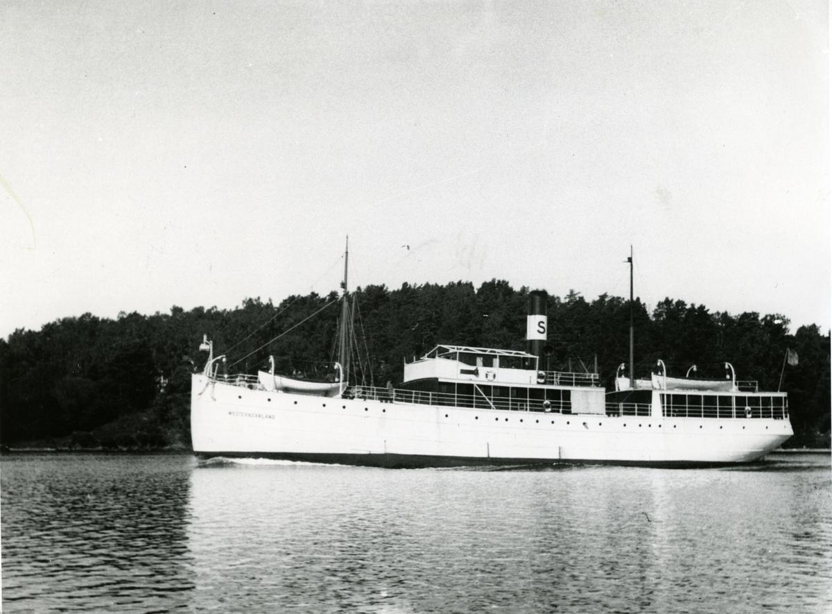 Fotodatum 28/8 1933. fartyget passerar genom Tenösund på ingående mot Stockholm.