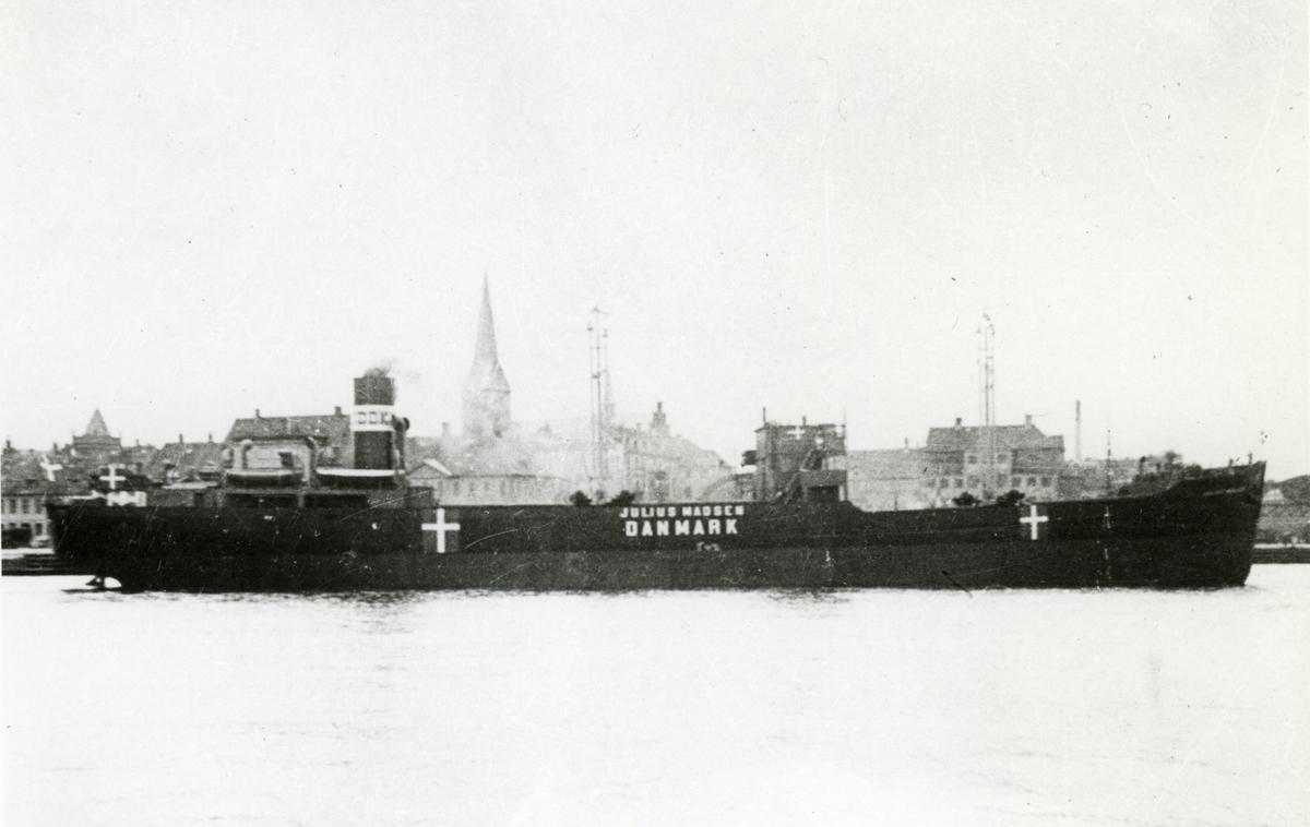 Ägare:/1942-44/: A/S Det Danske Kulkompagni. Hemort: Köbenhavn.