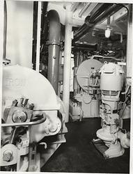 Lastmotorfartyget ABISKO av Stockholm, b. 1955. Maskinrummet
