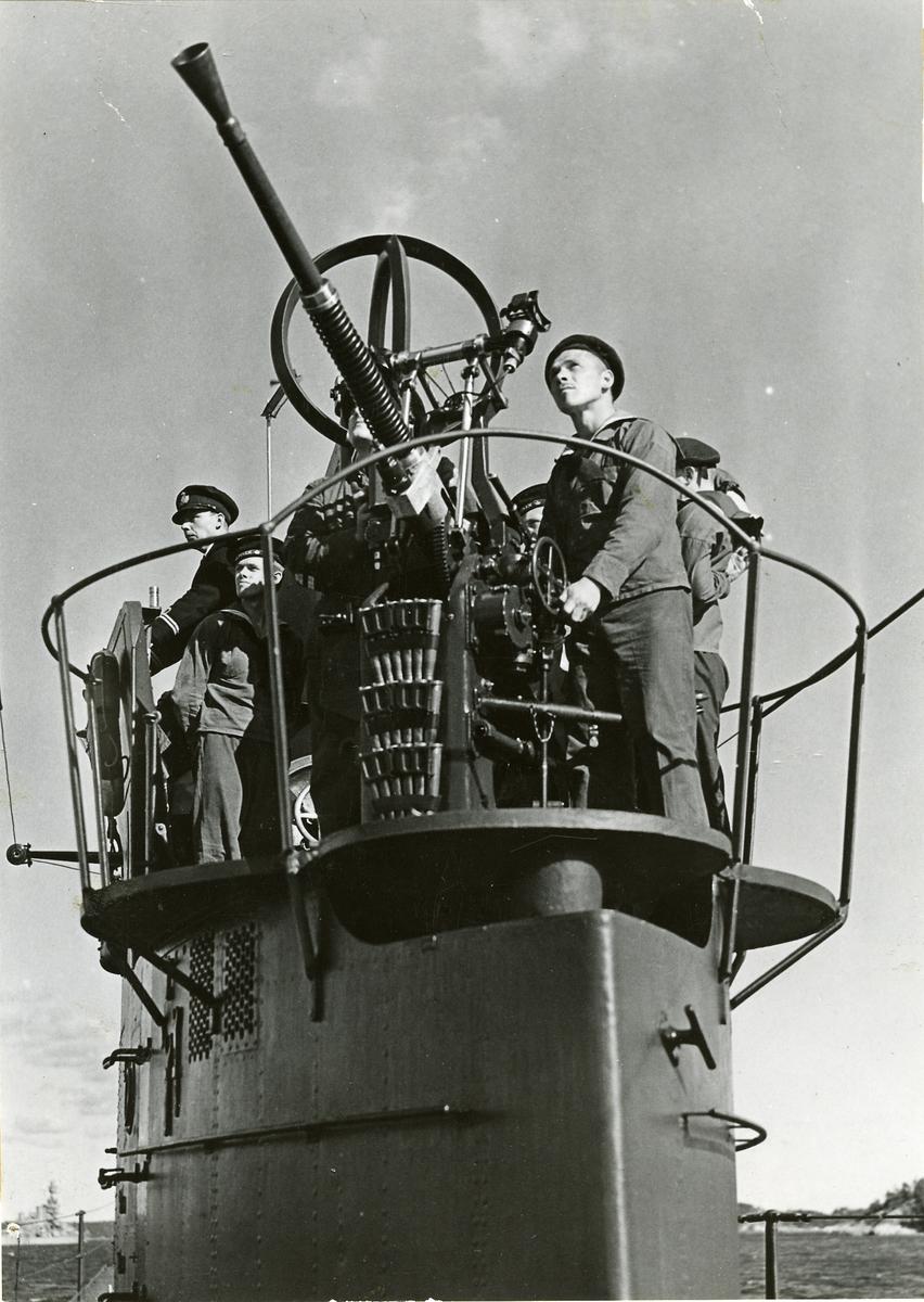 2,5 cm automatkanon på ubåt.