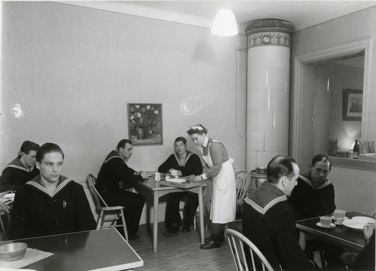 Förplägnadstjänst år 1943.