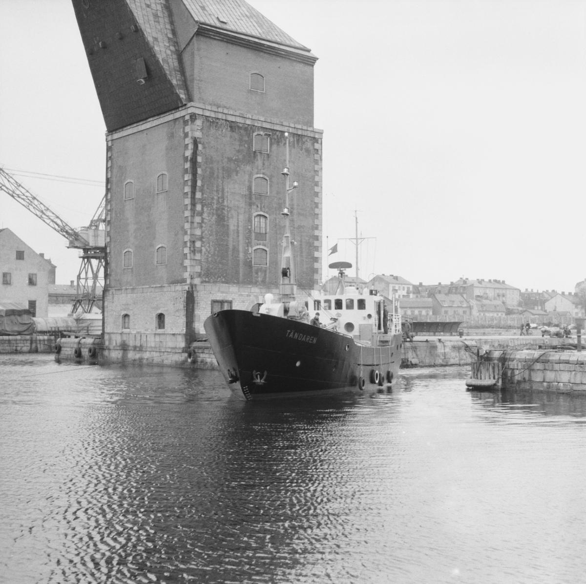 Fartyg: TÄNDAREN                        Övrigt: Gasningsjakt Tändaren, vid kaj i svajningsrummet