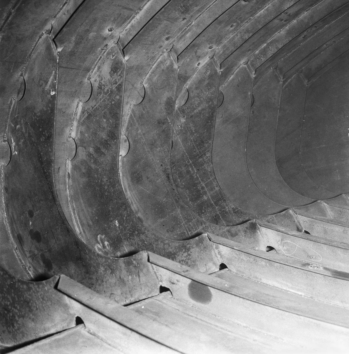 Övrigt: Foto datum: 7/2 1954 Byggnader och kranar Pannverkstan vattenbehållare