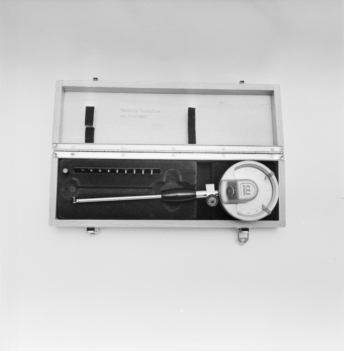 Övrigt: Foto datum: 17/11 1966 Byggnader och kranar Mätinstrument