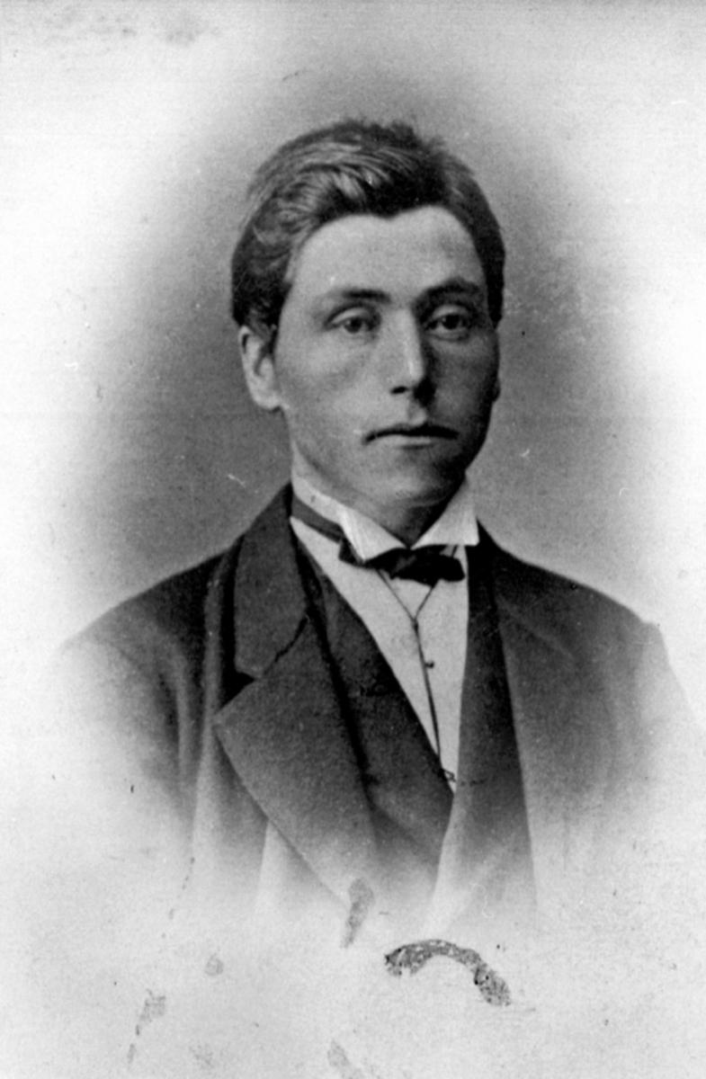 Mathias Pedersen Staff, Stav, Helgøya.