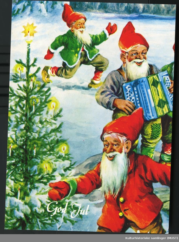 Jule og nyttårskort solgt fra Hustvedt. Motiv av nisser God jul