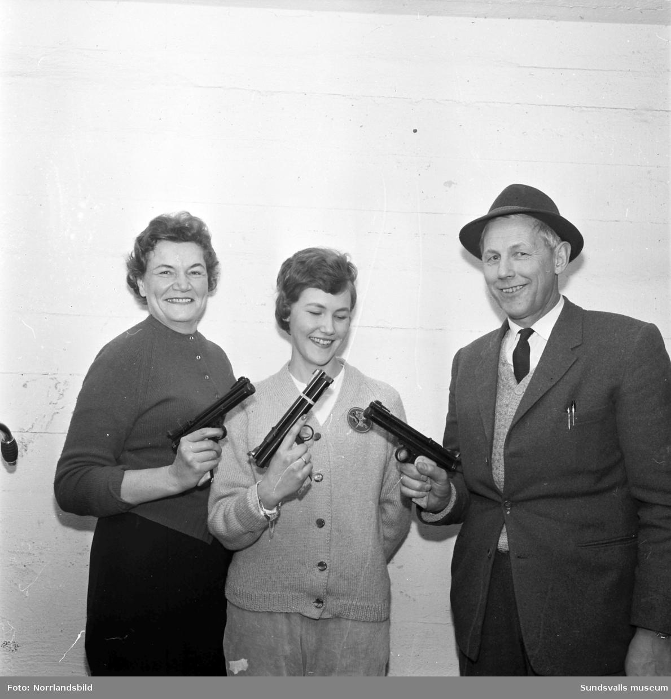 Familjen Karlström bäst i pistolskyttekorpen.